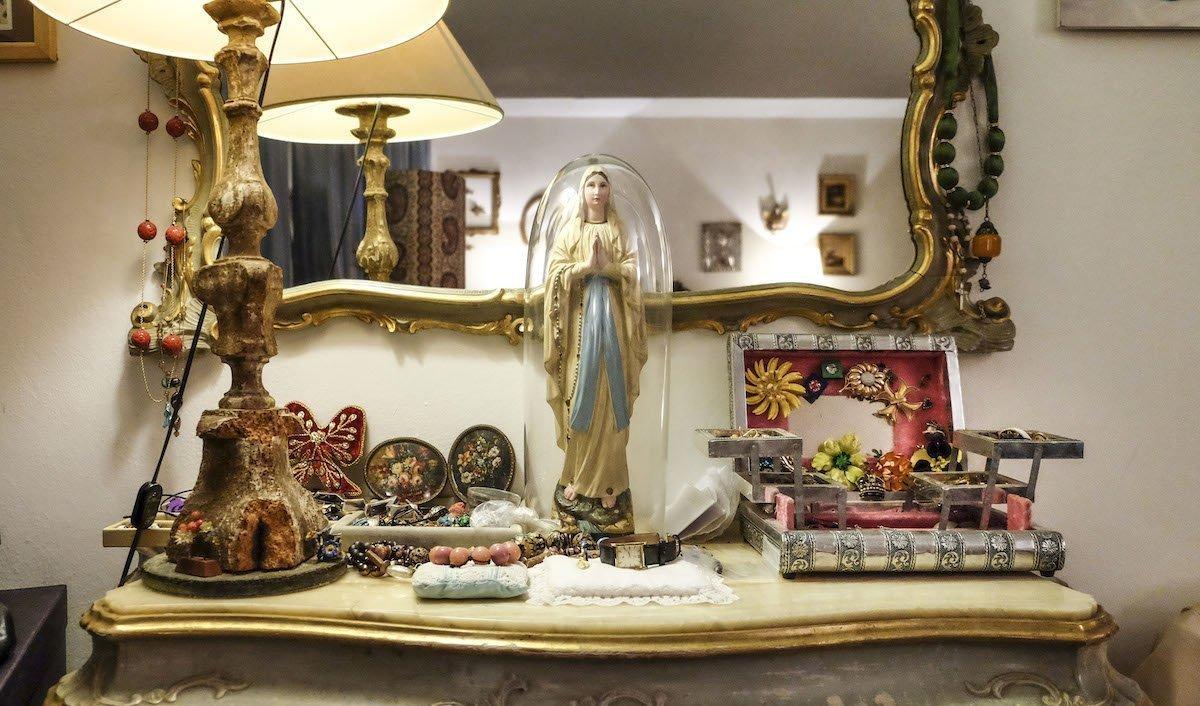 La casa museo di Giusy Moretti, l'artista delle Murrine gioiello - Veneto Secrets